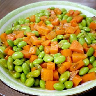 素菜胡萝卜与青豆