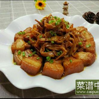 五花肉炖黄花菜