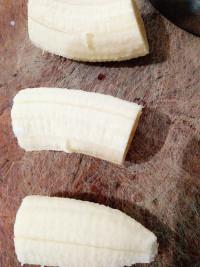 炸香蕉的做法步骤2