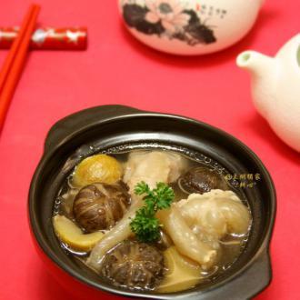 猪蹄筋栗子香菇汤