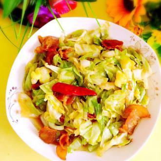 五花肉炒高丽菜