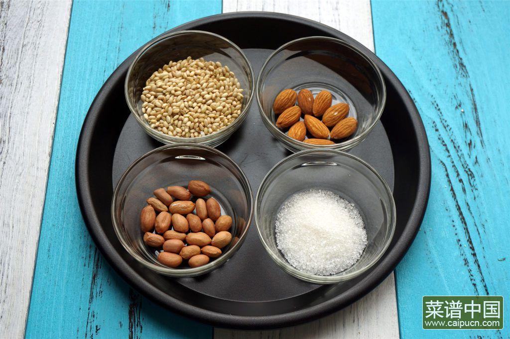 糙米花生杏仁糊的做法步骤1