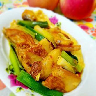 鸡脚猪肉腐竹煲