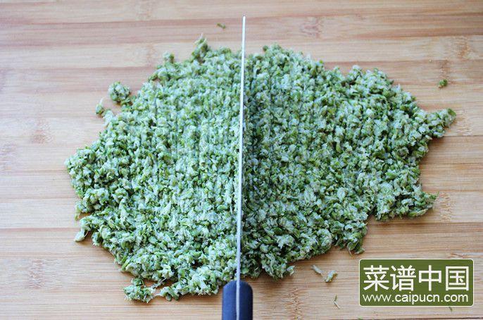 槐花酱肉包子的做法步骤4