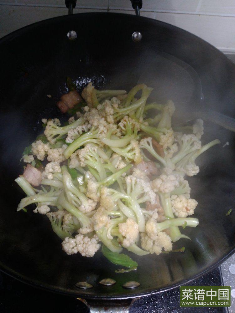 小炒菜花的做法步骤5