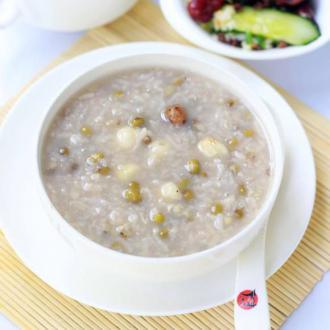 绿豆莲子糯米粥