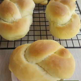 鸭蛋辫子面包
