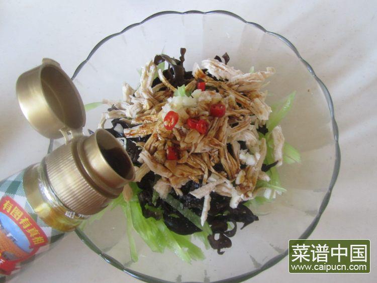 莴苣木耳拌鸡丝的做法步骤8