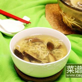 #盛夏餐桌#银鱼香菇汤