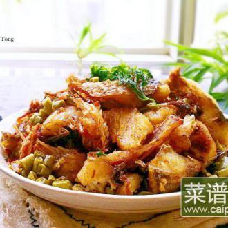酸豆角香酥鲫鱼