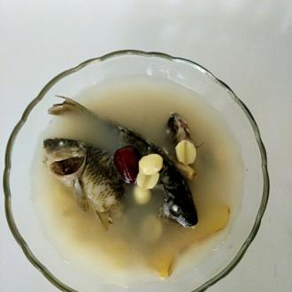稻花鱼莲子汤