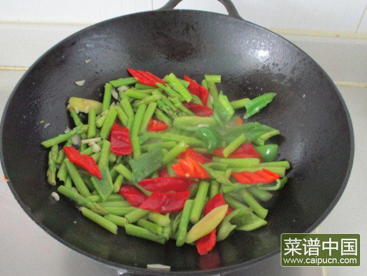 芦笋青椒凤尾虾的做法步骤9