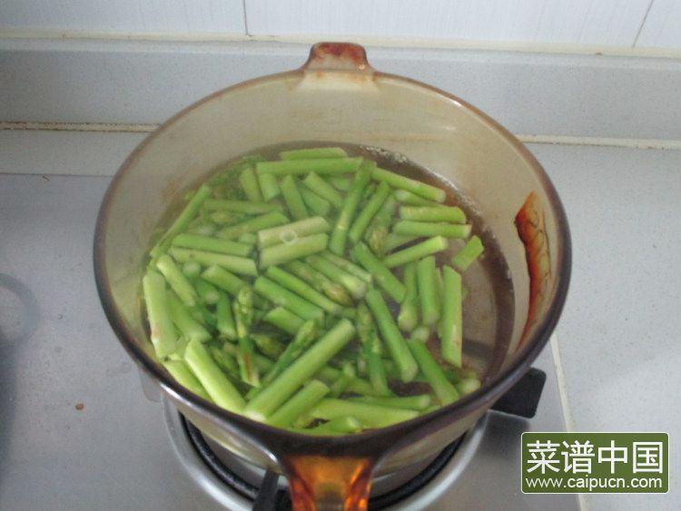 芦笋青椒凤尾虾的做法步骤5