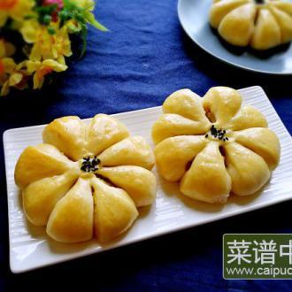 莲蓉馅花朵面包