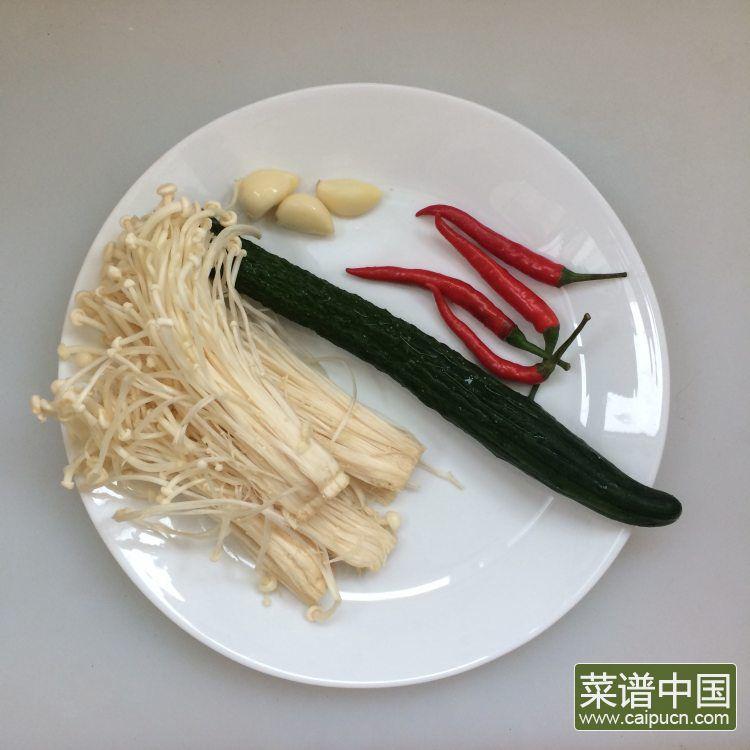 炝拌金针菇的做法步骤1