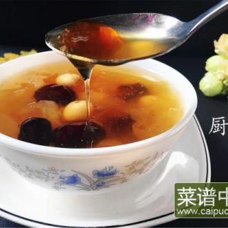 桃胶皂角米红枣银耳羹