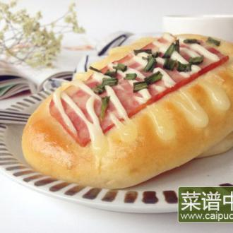 香葱培根沙拉面包