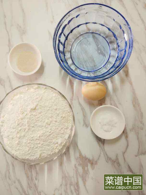 酵母版油条的做法步骤1