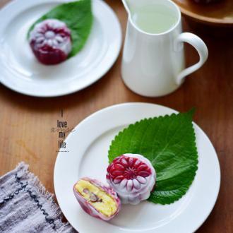 奶香绿豆冰皮月饼