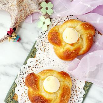 黄桃面包配法罗夫蛋奶