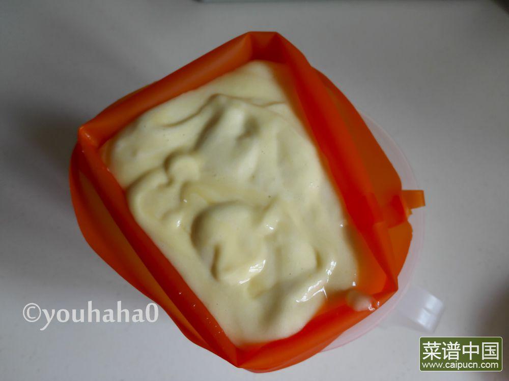 百香果海绵杯子蛋糕的做法步骤8