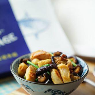 鱼肠炒香菇