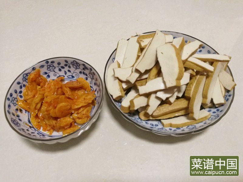 茶干炒萝卜干的做法步骤3