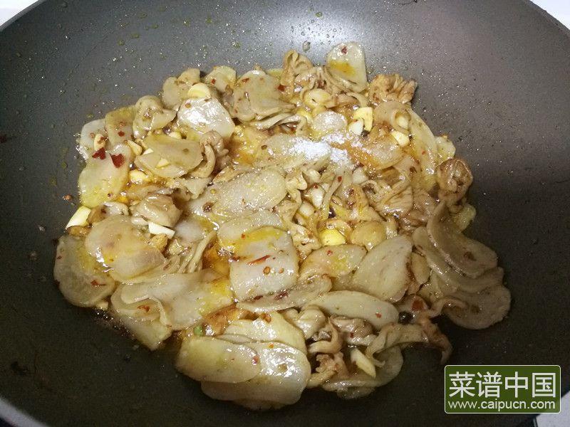 肥肠炒土豆干的做法步骤9