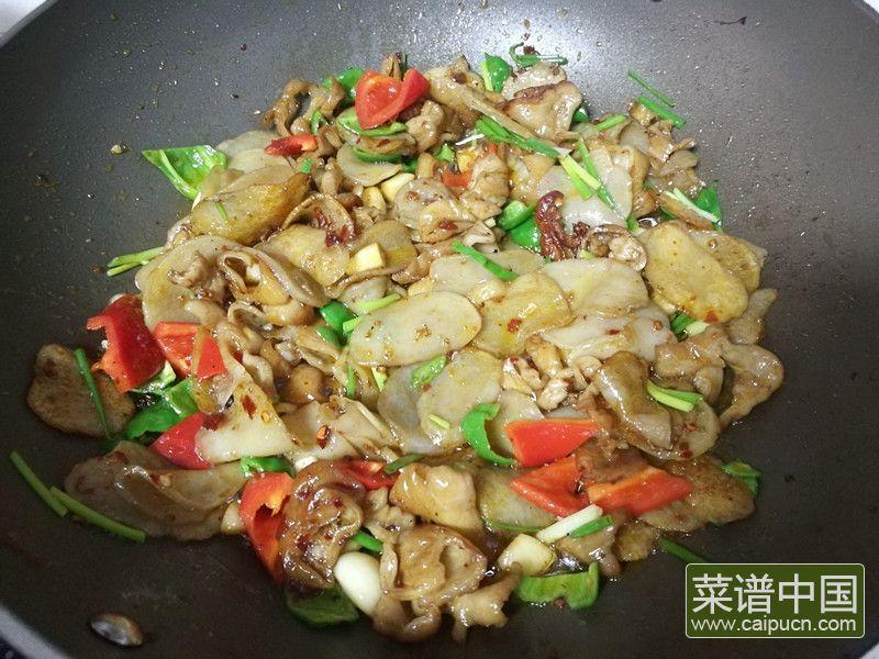 肥肠炒土豆干的做法步骤12