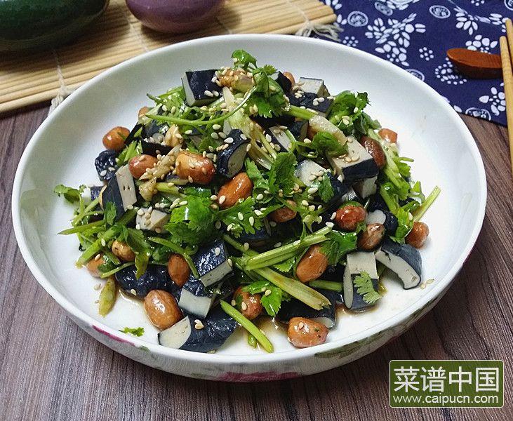 香菜臭干拌花生米的做法步骤8