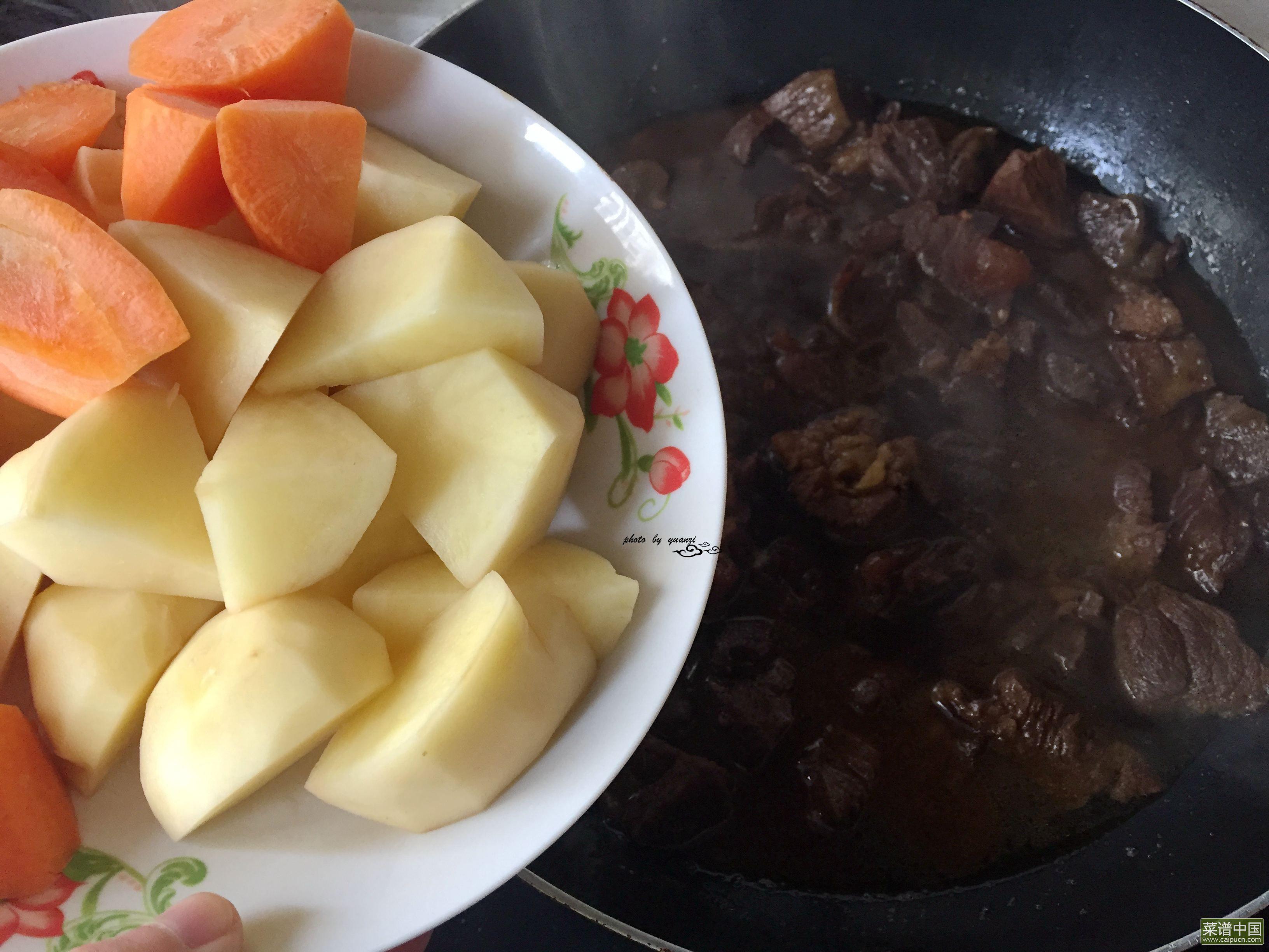 胡萝卜土豆炖牛肉的做法步骤12