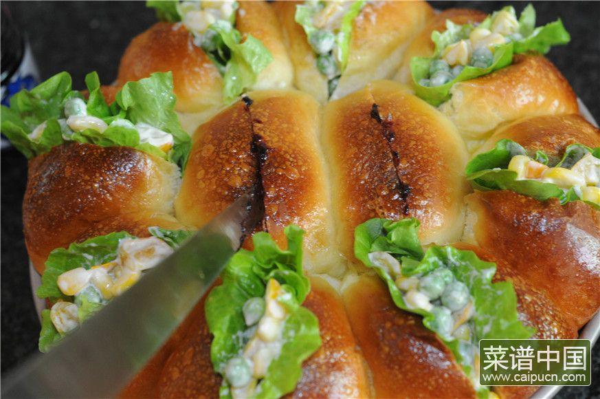 蓝莓沙拉花环面包的做法步骤18