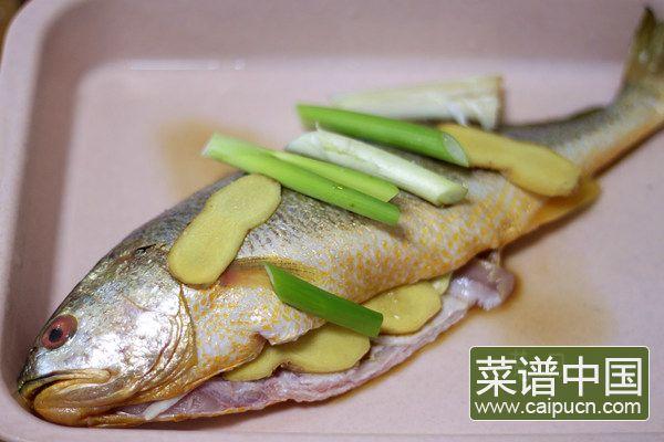 红烧黄花鱼的做法步骤1