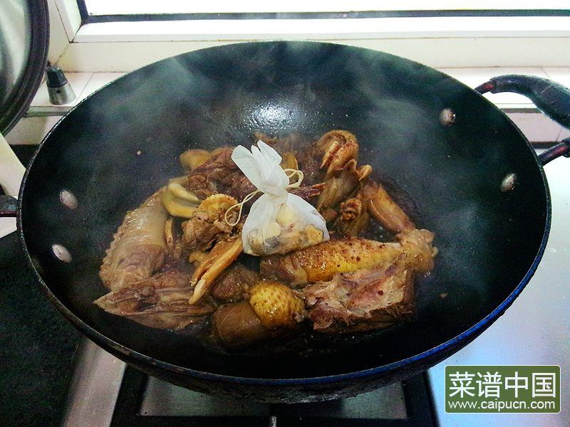 红番鸭芋头煲的做法步骤9