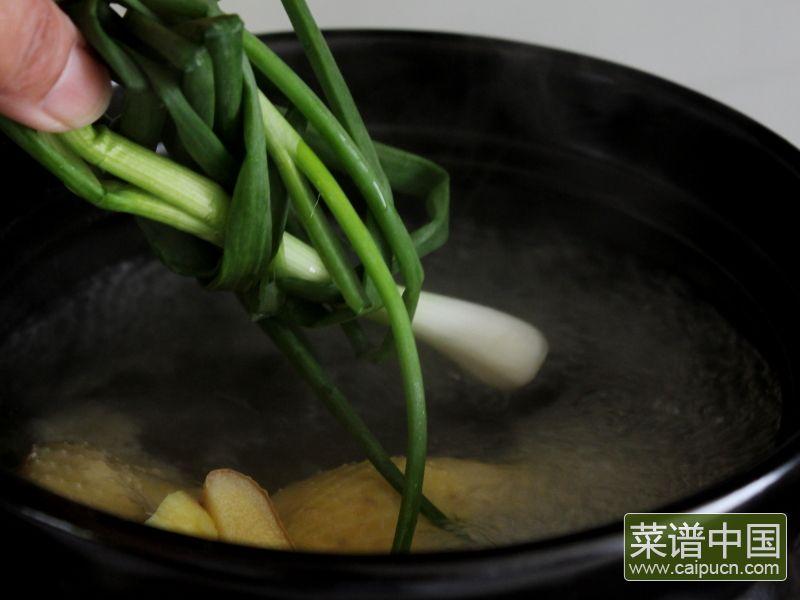 玉米棒土鸡汤#午餐#的做法步骤3