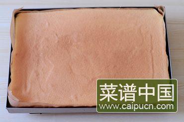 草莓奶油蛋糕卷的做法步骤9