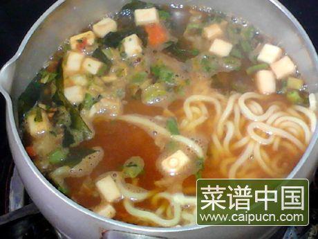 韩式酱汤拉面的做法步骤5