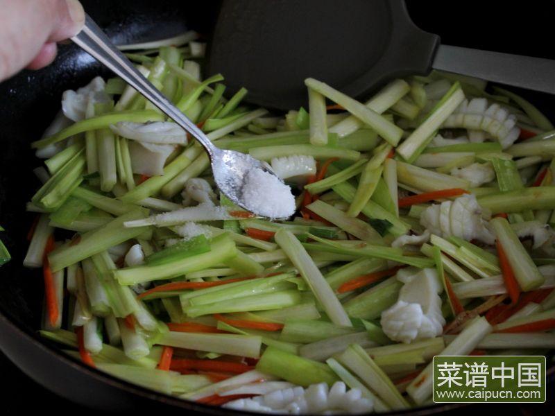 油条韭黄炒墨鱼的做法步骤12