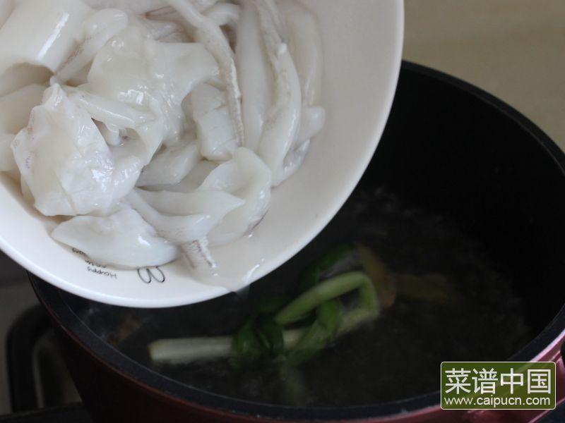 油条韭黄炒墨鱼的做法步骤8