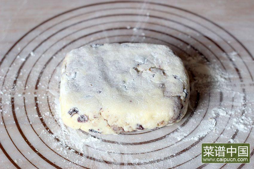 蔓越莓核桃司康饼的做法步骤6