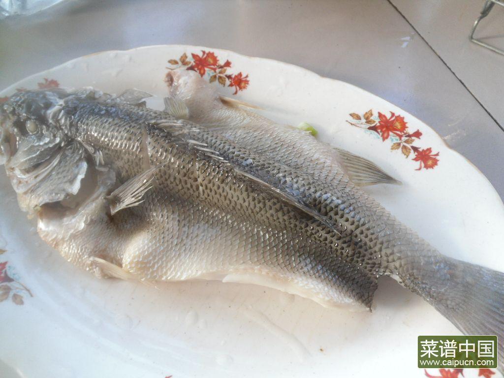 黄酒蒸鲈鱼的做法步骤8