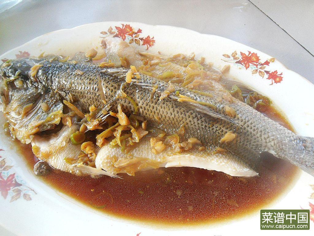 黄酒蒸鲈鱼的做法步骤11