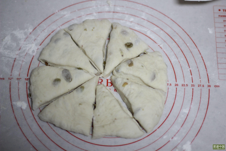 葡萄干面包球的做法步骤7