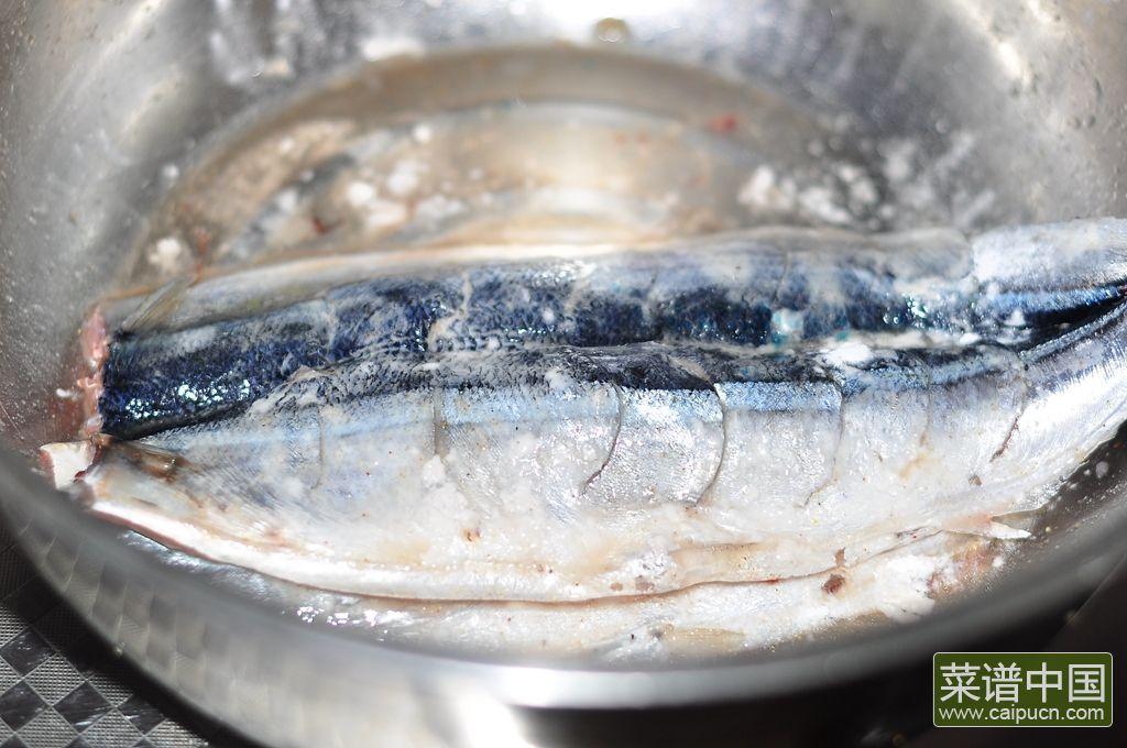 香煎秋刀鱼的做法步骤8