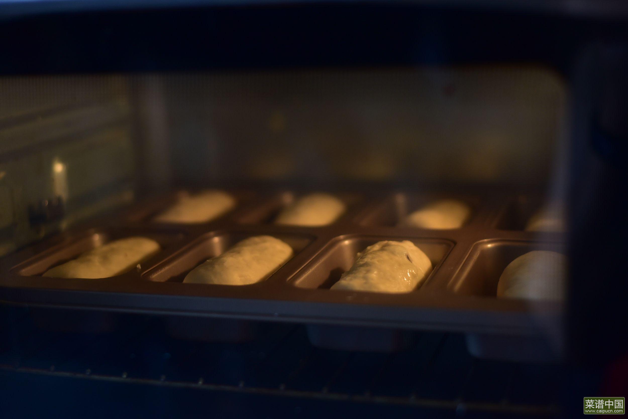 哈尔滨风味小面包的做法步骤10