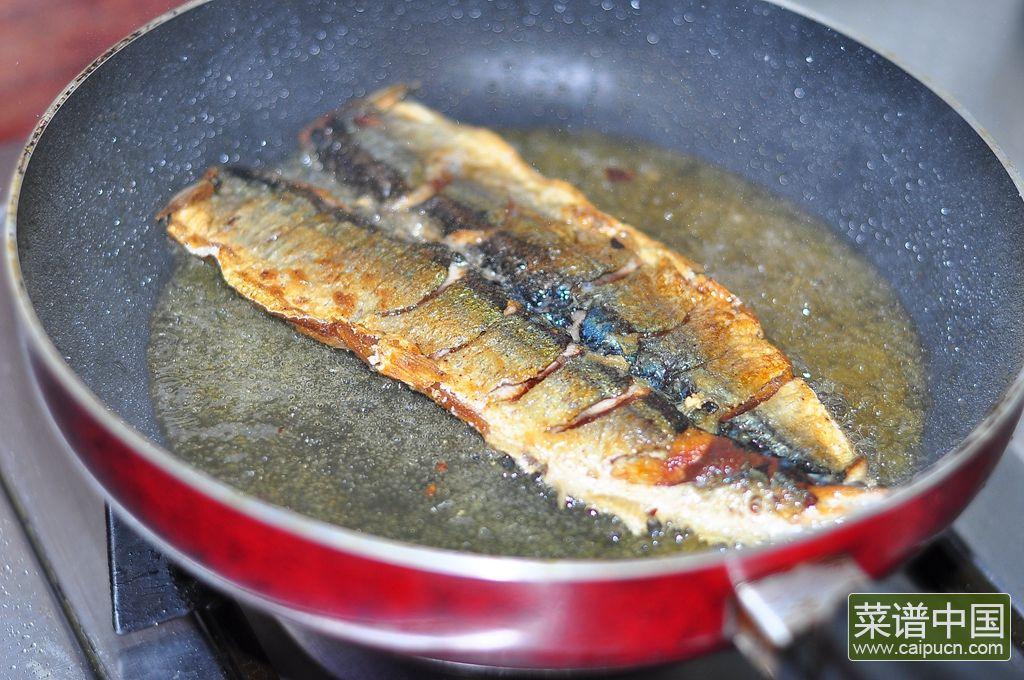 香煎秋刀鱼的做法步骤10