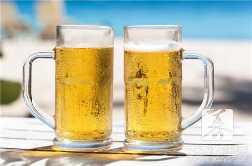 晚上空腹喝啤酒会瘦么