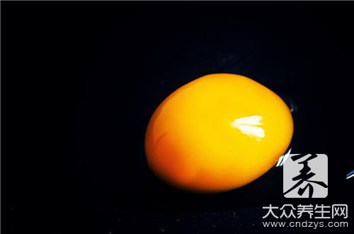 宝宝蒸蛋黄的做法_宝宝辅食蒸蛋黄