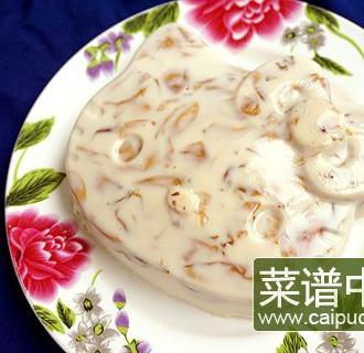 凯蒂猫玫瑰牛奶布丁