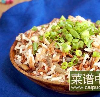 腌豇豆坛子肉焖红米饭